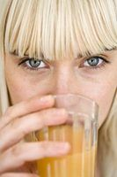 Como clarear com segurança suas sobrancelhas
