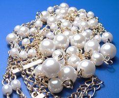 Como iniciar um negócio de jóias artesanais