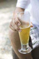 Como parar a flatulência de cerveja