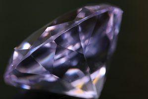 Como para testar a dureza de um diamante