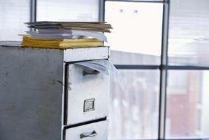 Use sua digitalização habilitado Bizhub 350 para reduzir ou eliminar armários de escritório.