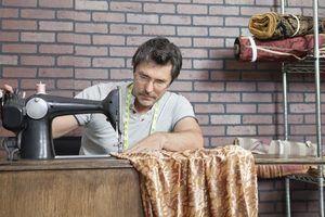 Como usar uma máquina de costura bordado