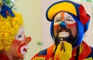 Como usar lápis de cor da pintura da cara