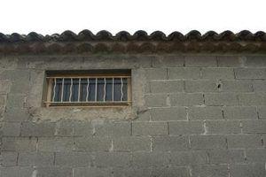 Ideias para o acabamento de um interior da parede de blocos de concreto