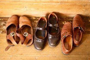 Idéias para esticar sapatos de couro