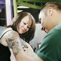 Indiana lei sobre a certificação de um tatuador