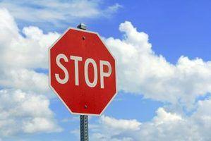 Leis sobre a batida de um sinal de estrada