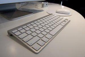Minha luz do teclado sem fio da apple não está piscando