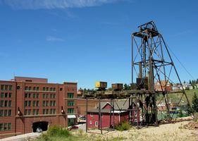 cidades mineiras de ouro apareceu em muitos pontos para o oeste, em meados do século 19.