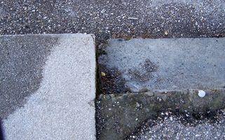 É necessário remover a pintura velha do seu concreto antes coloração ou de vedação.