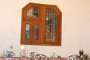 Partes de uma janela de madeira