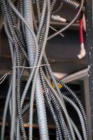 Maneiras bonitas para esconder um cabo de computador