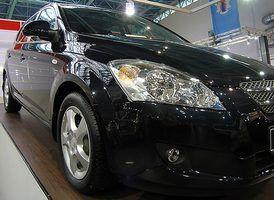 Adicionando demasiado óleo pode afetar negativamente o seu carro`s engine.
