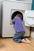 Usando um secador com uma abertura coberta de neve é perigoso.