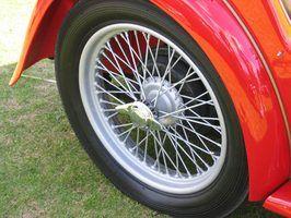 rodas de arame são muitas vezes vistos em carros musculares restaurados e carros esportivos.