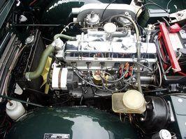 Muitos entusiastas de automóveis e colecionadores reconstruir motores antigos.