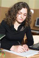 Programas que verificam documentos de ensaio para a estrutura da frase adequada