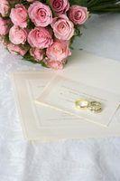 Etiqueta apropriada para listar os nomes dos pais sobre convites de casamento