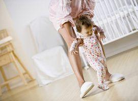 Razões para um bebê que anda tarde
