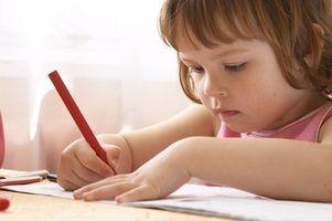 Requisitos para ser um assistente do professor pré-escolar