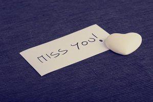 Dizer ao seu parceiro que você sentir falta dele quando ele`s away can enrich your relationship.