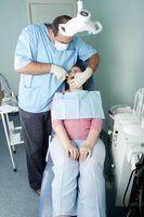 As melhores escolas de odontologia para novos implantes dentários