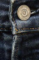 Os melhores estilos de jeans para homens altos e magros