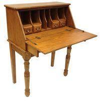 Revive mobiliário de madeira com uma camada de tinta fresca.