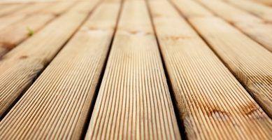 Uma lista de materiais para um deck 8x10