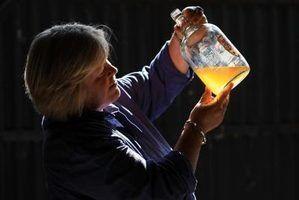 O perigo de armazenar cidra em frascos