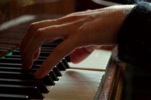 Os efeitos da aprendizagem a tocar piano no cérebro