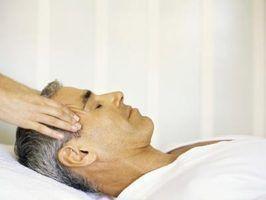 A história, origens, e tradições de massagem cabeça indiana