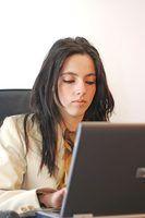 As competências e exigências de uma folha de pagamento e benefícios administrador-chave