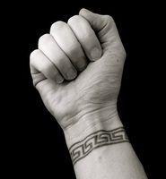 Idéias de pequenas tatuagem do pulso
