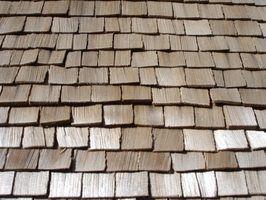 A cor de uma telha pode melhorar as características de uma casa`s exterior.