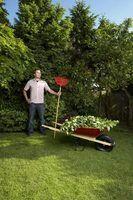 Ferramentas que você pode usar para arejar seu gramado
