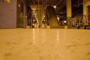 chão de fábrica pode ser feito de concreto, borracha ou epóxi.