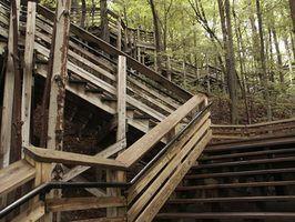 Tipos de trilhos da escada ao ar livre