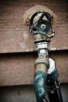 Tipos de torneiras de água fora