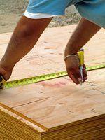 Tipos de madeira para consertar um buraco no galpão
