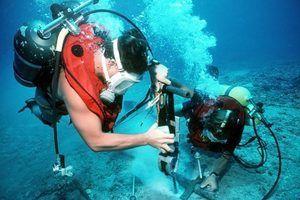 Salário mergulhador inspecção subaquática