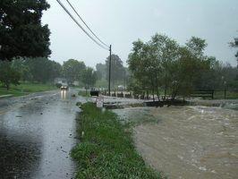 Leis de água para os proprietários e drenagem do vizinho em cohasset, massachusetts