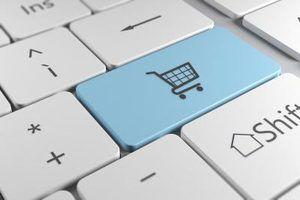 Quais são algumas das ameaças externas e internas para um site de comércio eletrônico?