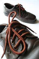 Quais são os benefícios do uso de sapatos de couro sintético?