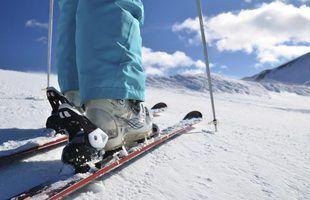 Quais são as causas de unhas pretas em botas de esqui?