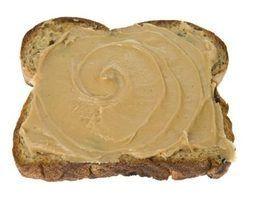 Quais são os perigos de comer manteiga de amendoim fora de moda?