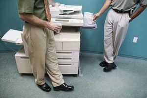 Quais são os perigos de se sentar ao lado de uma máquina de cópia?