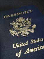 Diferentes tipos de passaporte nos EUA incluem passaportes electrónicos, cartões de passaporte e até mesmo passaportes não-pagamento.