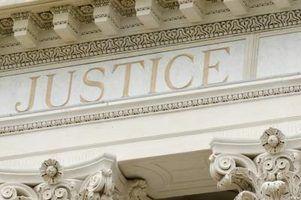 Quais são os deveres de um comissário de tribunal?