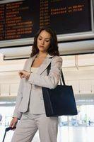 Quais são os deveres de um assistente de serviço de passageiros?